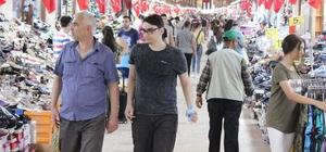 Ramazan Bayramı Alipaşa Çarşısı esnafının yüzünü güldürdü