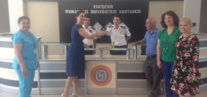 ESOGÜ Hastanesi yönetimi hastaları ve personeli ile bayramlaştı