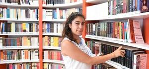Konyaaltı Belediyesi Kütüphanesi'nde 7'den 70'e kitap
