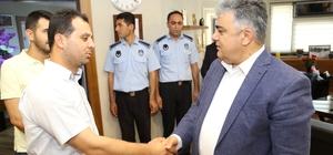 Başkan Özgüven personelle bayramlaştı