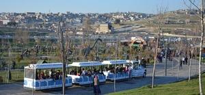 Şahinbey Belediyesinin parkları doldu taştı