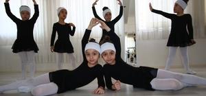 Minik balerin ve baletler sahnede