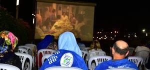 Açık hava sinema nostaljisi Ünye'de yaşatılıyor
