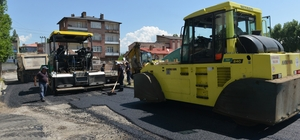 Yakutiye'den Yukarı Sanayi Mahallesi'ne 6 bin ton asfalt