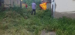 Aslanapa'da garaj yangını