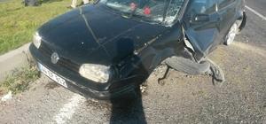 akla atan otomobilin sürücüsü yaralandı