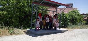 Kırsal mahallelere 300 otobüs durağı