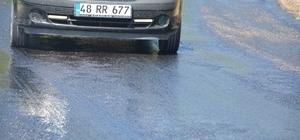 Köyceğiz ve Ortaca'da aşırı sıcak asfalt eritti