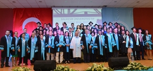 Tıp Fakültesinde mezuniyet gururu