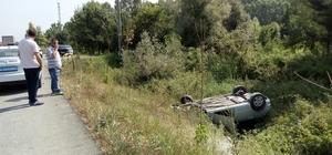 Sakarya'da araç şarampole yuvarlandı: 1 yaralı