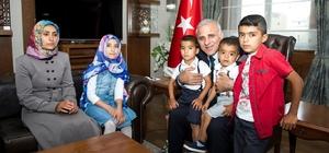 Vali Zorluoğlu şehit Adnan Vanlı'nın ailesini kabul etti
