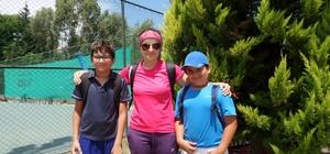 Aileleri ikna edip tenise yönlendirdi