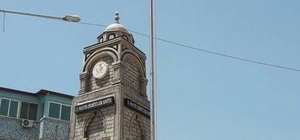 11 Mayıs Şehitler Anıtına Türk bayrağı asıldı