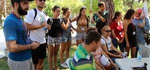 Yerli ve yabancı öğrenciler engelliler ile piknik yaptı