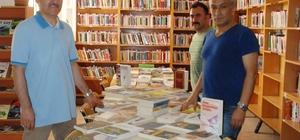 Karacabey kütüphanesine yeni kitaplar geldi