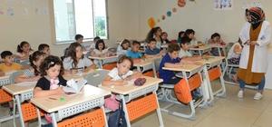Tuzla Belediyesi Yaz Okulları'nda yüzlerce çocuk ve genç eğlenerek öğreniyor