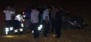 Milas'ta kontrolden çıkan araç tarlaya uçtu; 2 yaralı