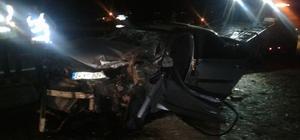 Seyir halindeki traktöre çarpan otomobil sürücüsü ağır yaralandı