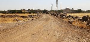 Bağlar Belediyesi Tellikaya Mahallesi'nin yolunu yaptı