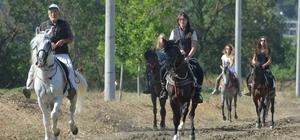 Kadınlar rahvan at koşturacak