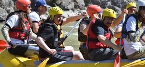 Erzincan Valisi Ali Arslantaş rafting yaptı