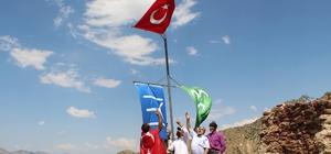 15 Temmuz'u unutmayan Kaleboğazlılar kaleye bayrak diktiler