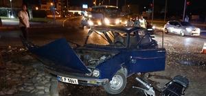 Edremit'te aynı kavşak, yine kaza: 2 yaralı