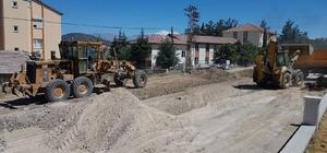 orkuteli'de alt yapısı tamamlanan mahallelerin yollarına asfalt çalışması