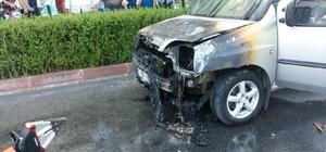 Seyir halindeki otomobil biranda alev aldı