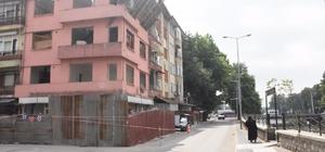 Kamulaştırılan binalar yıkılıyor