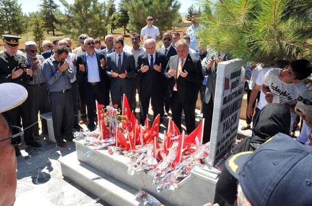 Karaman'da 15 Temmuz şehidi Muhammed Yalçın, mezarı başında anıldı