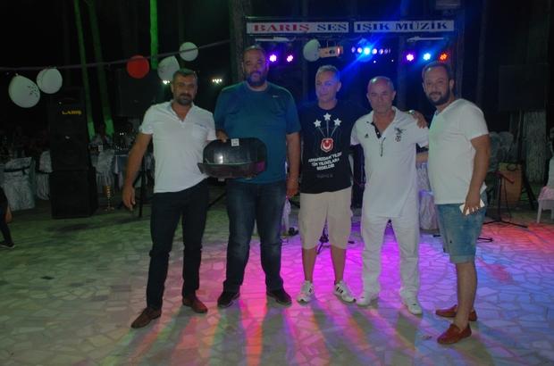 Bayramiçli Beşiktaşlılar şampiyonluğu kutladı
