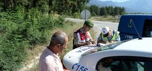 Kargı'da jandarma ve polis ekiplerinden ortak trafik uygulaması