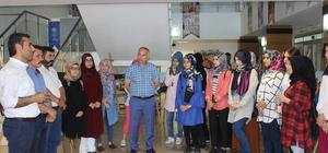 İhlas Haber Ajansı fotoğrafları Gençlik Merkezinde sergilendi