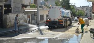 Akdeniz Belediyesi mahallerde temizlik çalışmalarını sürdürüyor