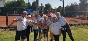 Bozüyük Belediyesi Yaz Okulu tenis sporcuları Eskişehir'de hazırlık turnuvasına katıldı