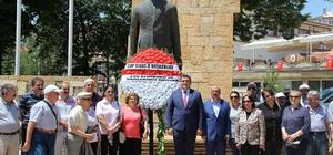 CHP 15 Temmuz'un yıl dönümünde anıta çelenk sundu