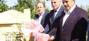 Miralay Sabri Bey'in kabrine ziyaret