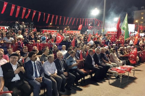 15 Temmuz'da binlerce Sancaktepeli demokrasi nöbetinde