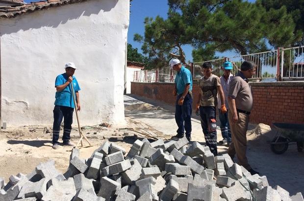 Manisa'da bozulan yollar onarılıyor