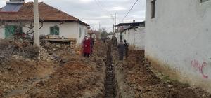 9 mahalleye 105 kilometre kanalizasyon ve içme suyu hattı