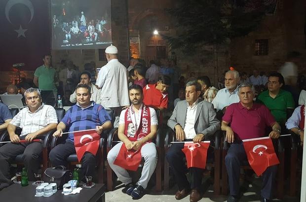 15 Temmuz Gazisi Simav'da halkla buluştu
