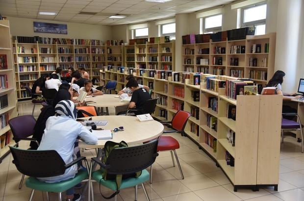 Selçuklu Belediyesinin ilçeye kazandırdığı kütüphaneler yaz döneminde de hizmette