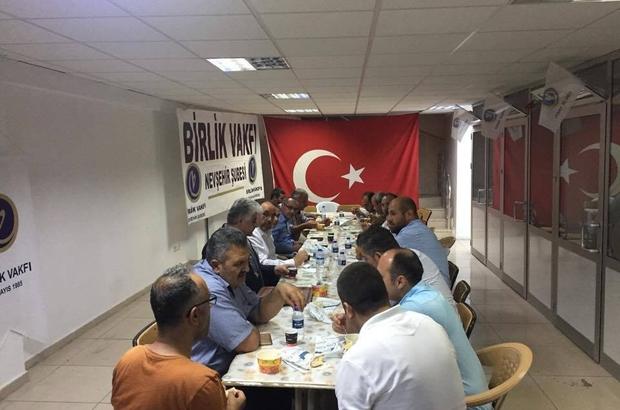 Birlik Vakfı demokrasi nöbetçilerine ikramlarda bulundu