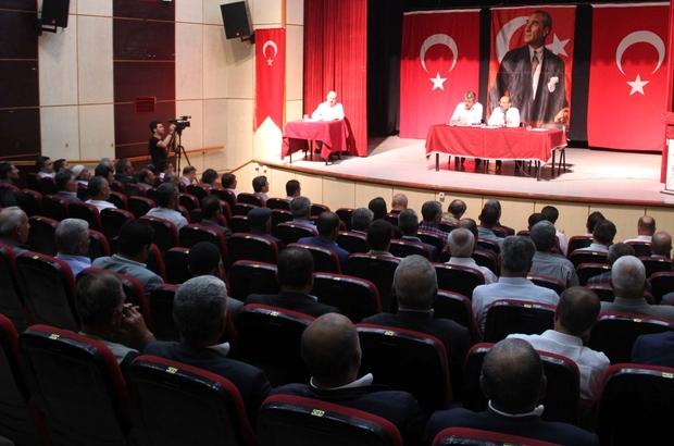 Bitlis Valisi Ustaoğlu muhtarlarla bir araya geldi