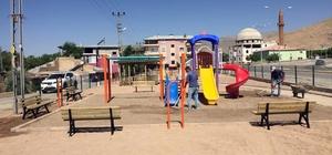 Adilcevaz Belediyesinden her mahalleye park