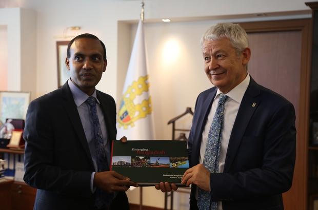 Bangladeş Başkonsolosu ETSO yöneticileriyle görüştü