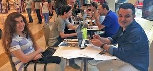 AVM'de üniversite öğrencileri için tercih masası