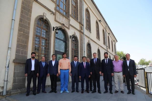 DTSO Başkanı Sayar, Vali Güzeloğlu'na çalışmalarını anlattı
