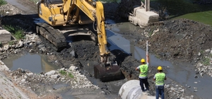 Asi Nehri'nde atık su hattı çalışmaları hızla ilerliyor